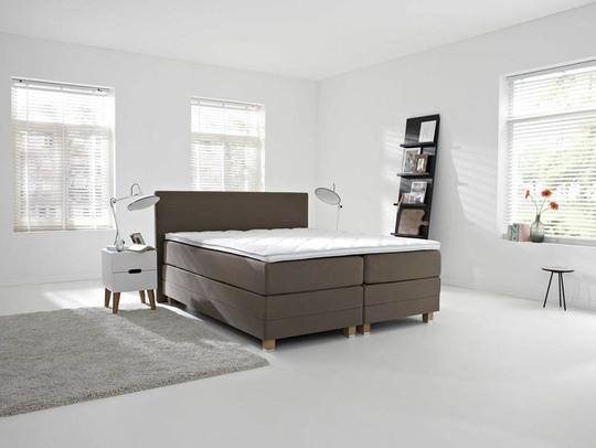 testotel. Black Bedroom Furniture Sets. Home Design Ideas